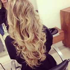 Long blonde hair...... Love the length and loose curls:)