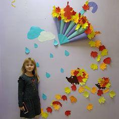 Paper Flower Wreaths, Paper Flowers, Paper Art, Paper Crafts, Diy Crafts, Balloon Decorations, Birthday Party Decorations, Frozen Birthday Party, Classroom Displays