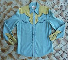 CIRCLE A Western Wear Vintage Men's 2 tone Western Shirt. Light blue w/ pale yellow yokes & cuffs, Blue piping and enamel snaps. Rodeo Chic, Vintage Western Wear, Cowgirl Dresses, Graphic Novel Art, Gypsy Cowgirl, Willy Wonka, Western Shirts, Style Guides, Cowboys