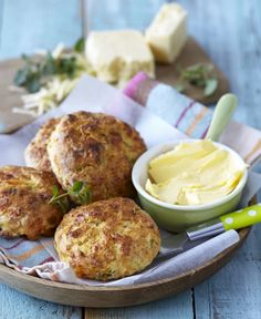 Served warm with oodles of margarine, these bacon, cream cheese and herb scones will impress guests and family alike. Cream Cheese Biscuits, Cheese Scones, Savoury Baking, Time To Eat, Diet Recipes, Recipies, Baked Chicken, Food Porn, Easy Meals