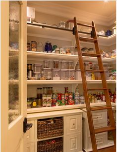 Amazing pantry!!