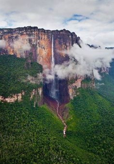 Tallest waterfall in the world (980 m). Salto Angel, Venezuela.