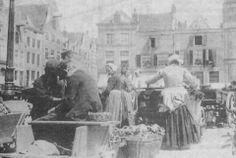Groente markt op de Nieuwe Markt anno 1900. Foto van fb