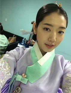 박신혜(朴信惠 Park Shin-Hye) 한복 Hanbok : Korean traditional clothes[dress]    Park Shin-hye