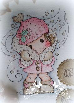 Blog met mijn zelfgemaakte kaarten en andere creaties. Stempels Magnolia en Wild Rose Studio ingekleurd met Distress Ink en l'Aquarel van Sennelier.