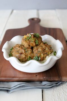 Incredibly easy Chicken Mango+ Jalapeño Meatball recipe. Great for leftovers and gluten free, paleo friendly and Whole30 compliant!