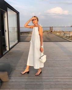 80 Breathtaking Summer Fashion Outfit Ideas For Women Street Style Outfits, Looks Street Style, Looks Style, Fashion Outfits, Womens Fashion, Fashion Trends, Street Style Summer, Easy Style, Minimal Outfit