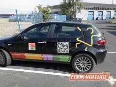 Commandez vos stickers voiture en utilisant notre simulateur en ligne. Facile, rapide et moins cher ! Notice de pose fournie.