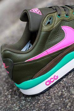Nike ACG Air Wildwood LE: Cargo/Pink