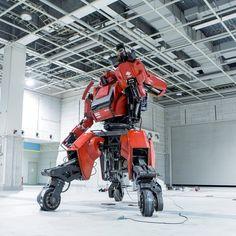 РОБОТИЗИРОВАННЫЙ КОСТЮМ «KURATAS БОЕВОЙ РОБОТ» СТАЛ ДОСТУПНЫЙ ДЛЯ ПОКУПКИ В AMAZON Если Вы поклонники трансформеров, любите фантастику Японского аниме, или просто любите роботов, мы сообщаем Вам прекрасную новость о начале продаж роботизированного костюма Kuratas, конечно если у вас есть 1,000,000 миллион американских долларов.