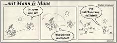 Mann & Maus haben eine unerbittliche Schneeballschlacht entfesselt. Eins scheint klar: Wer die bessere Kugel  macht, wird  als Sieger hervorgehen.