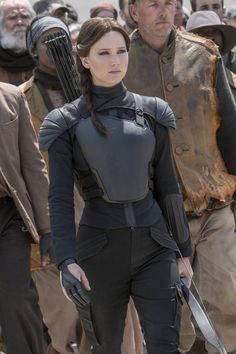 Jennifer Lawrence as Katniss Everdeen in the Hunger Games Hunger Games Costume, Game Costumes, Hunger Games Trilogy, The Hunger Game, Mockingjay Costume, Katniss Costume, Jedi Costume, Katniss Everdeen, Mockingjay
