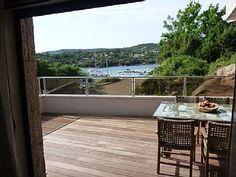 Location vacances maison Tizzano: Depuis votre salon, vue sur le Port de pêche