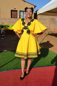 South African Traditional Dresses, Traditional Wedding Dresses, Traditional Fashion, Xhosa Attire, African Attire, African Dress, African Print Fashion, African Fashion Dresses, Black King And Queen