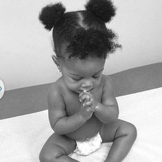 Pray on baby. So cute Cute Kids, Cute Babies, Baby Kids, Baby Baby, Beautiful Black Babies, Beautiful Children, Prayer For Baby, Baby Prayers, Precious Children