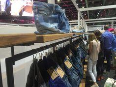 sneak peak .. Liebe Grüsse von der Messe Modernität zeigt sich in allen Waschungen, Garantiert eine perfekte Jeans auch für Dich dabei