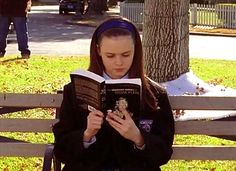 "Gilmore Girls, season 1, episode 12, ""Double Date,"" aired 18 January 2001. Lorelai Leigh ""Rory"" Gilmore is played by Alexis Bledel. She's reading The Unabridged Journals of Sylvia Plath (2000) by Sylvia Plath. The Journals of Sylvia Plath were originally published in 1982."