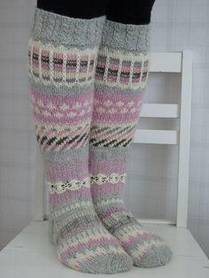 Knitting Help, Knitting For Beginners, Knitting Socks, Hand Knitting, Knitting Patterns, Crochet Patterns, Knit Socks, Woolen Socks, Diy Crafts Knitting