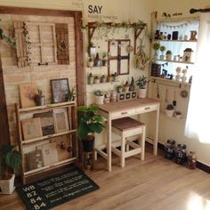 Look at the teeny tiny succulents Home Decor Bedroom, Entryway Decor, Diy Home Decor, Vintage Room, Vintage Home Decor, Interior Exterior, Room Interior, Home And Deco, Shabby Chic Decor