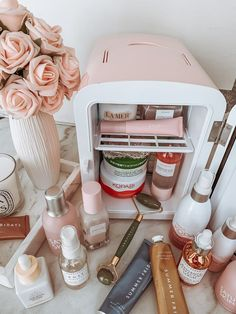 Skin fridge pink skin fridge skin care essentials skin fridge essentials skin care products blondie in the city by hayley larue happy sunday beauties happy sunday beauties Beauty Blogs, Beauty Room, Beauty Tips, Beauty Hacks, Diy Beauty, Beauty Trends, Beauty Ideas, Beauty Makeup, Beauty Essentials