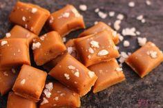 Deze heerlijke salted karamel snoepjes zijn met slechts 3 ingrediënten gemakkelijk zelf te maken. Om zelf op te snoepen of leuk om kado te geven
