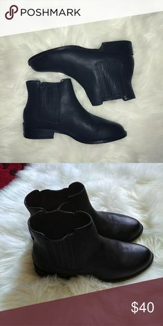 e738cf9bc Shop Women s Black size 10 Ankle Boots   Booties at a discounted price at  Poshmark. Description  Cute black ankle booties with slight heel.