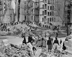 Up to 80 percent of the historic centers of German cities were destroyed by Allied bombs during the war. Once the violence ceased, unsafe buildings were torn down. Bricks and other materials were carefully sorted so they could be used again.