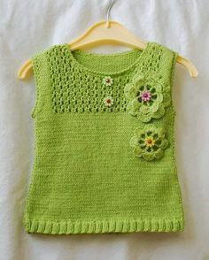 Ruhan'ın Dünyası: Bunlarda bir harika The World of Ruhan: A wonderful in these Easy Crochet, Crochet Baby, Knit Crochet, Knitting For Kids, Baby Knitting Patterns, Modern Crochet Blanket, Knitted Baby Clothes, Baby Vest, Little Girl Fashion
