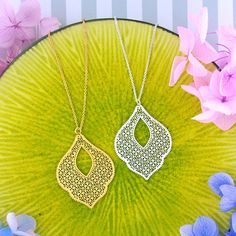 LAVISHY designs & wholesale original & beautiful applique bags, wallets, pouches & accessories for gift shop/boutique buyers in USA, Canada & worldwide. Gift Shops, Clothing Boutiques, Moroccan Pattern, Filigree Earrings, Makeup Pouch, Online Shopping, Crochet Earrings, Plating, Coin Purse