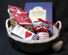 Liebe geht durch den Magen Geschenk Set von Gift2Go auf DaWanda.com Picnic, Basket, Etsy, Handmade, Amor, Projects, Gifts, Baskets, Picnics