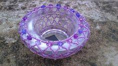 Svícínek v barvě fialek