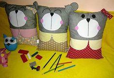 LubkaPatchwork / Vankúš Macko Diaper Bag, Throw Pillows, Bed, Home, Toss Pillows, Cushions, Stream Bed, Diaper Bags, Ad Home