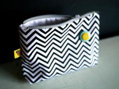 Chevron zipper pouch by Retrobugshop on Etsy, €17.00