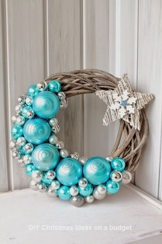 New diy christmas wreath pictures ideas Wreath Crafts, Diy Wreath, Christmas Projects, Christmas Crafts, Christmas Ornaments, Wreath Ideas, Wreath Making, Christmas Villages, Door Wreaths