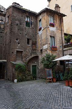 Portico d'Ottavia, Roma