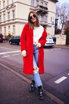 Red Winter Coat, Cute Winter Coats, Winter Coat Outfits, Plaid Outfits, Cute Fall Outfits, Warm Outfits, Mode Outfits, Pajama Outfits, Europe Outfits
