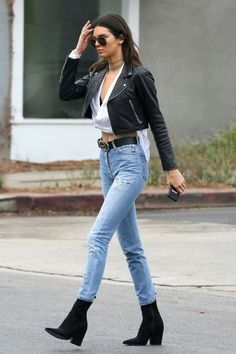 ▷ ideas for dress code sporty-elegant - how to create such style - casual clothes kendall jenner high heel shoes boots jeans gucci belt leather jacket - Look Fashion, Fashion Models, Winter Fashion, Fashion Trends, Street Fashion, Fashion Black, Fashion Styles, Fashion Beauty, Mode Outfits