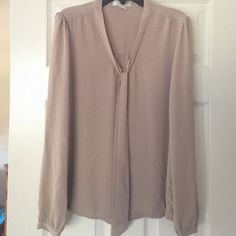 Beige top like new forever 21 size S Beige top like new forever 21 size S Forever 21 Tops