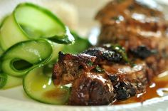 PORK NECK IN MINT MARINADE WITH FRESH CUCUMBER SALAD