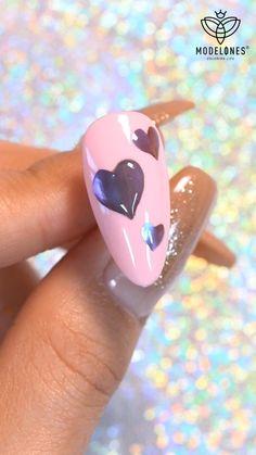 Gorgeous mirror love💖Product👉🏻Modelones Mirror Powder Cushion Pen Animal Nail Designs, Nail Art Designs Videos, Nail Art Videos, Cute Nails, Pretty Nails, Nail Art For Girls, Mirror Powder, Mirror Nails, Black Nail Art