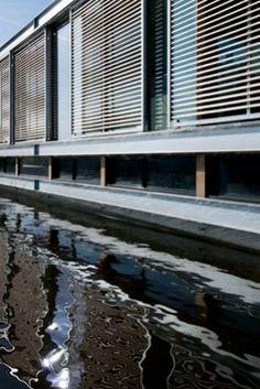 Houten louvre-luiken, Woonboot | Kodde Architecten