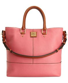 the most perfect Dooney & Bourke tote / shopper. beautiful pink pebble leather with inside organization galore. The perfect everyday / travel / vacation handbag Purses And Handbags, Leather Handbags, Sacs Design, Latest Bags, Chanel Tote, Cute Bags, Beautiful Bags, Dooney Bourke, My Bags