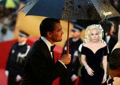 Lady Gaga e Leonardo DiCaprio viraram piada, mas cada um levou um Globo de Ouro para casa. Confira alguns dos memes!
