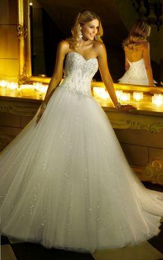 Beautiful bridal designs from Stella York