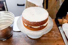sponge cake recipe from violet cakes.sort of victoria sponge. Victoria Sponge Recipe, Victoria Sponge Cake, Just Desserts, Delicious Desserts, Dessert Recipes, Yummy Treats, Sweet Treats, Violet Cakes, British Desserts