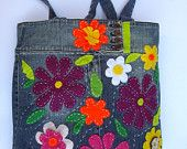 Articoli simili a Floral Eco friendly /Repurposed denim tote handbag styllish everyday/carry all/ for true fashionistas with respect to nature su Etsy