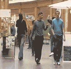 Vaya Face!: Convertirte en el puto amo del centro comercial en 3, 2, 1... (Gif)