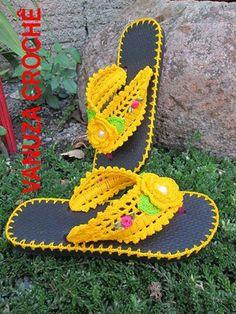 Here comes summa! Crochet Sandals, Crochet Boots, Crochet Clothes, Crochet Baby, Knit Crochet, Crochet Crafts, Crochet Projects, Crochet Designs, Crochet Slippers