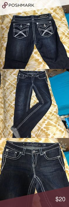 La Idol jeans Hey here's a great pair of jeans with a 32 inch inseam. Please look at the pictures for condition. These are in good used condition. L.A. Idol Jeans
