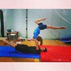 .@vi_guimaraes   quartas à noite. #circus #acrobalance #treinoédiversão ;)